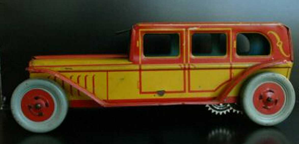 Chein Co. 424 Oldtimer Limousine wind-up toy