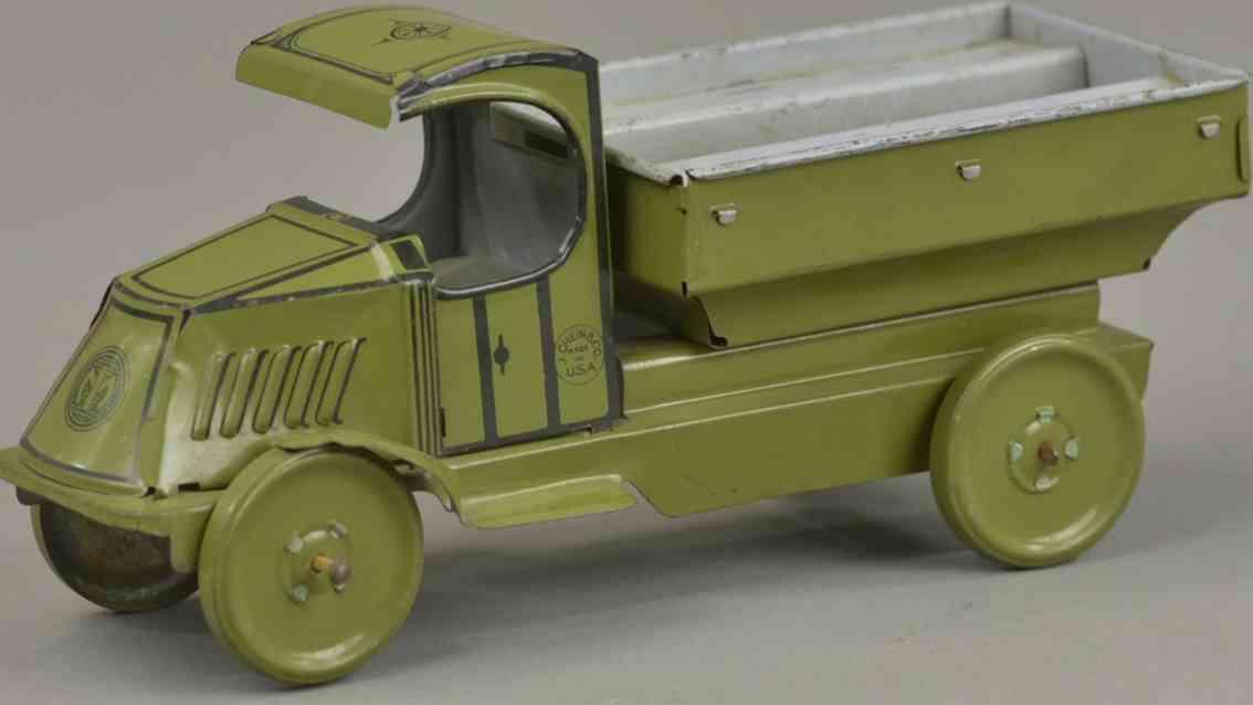chein co blech spielzeug kipplastwagen mit c mack fahrerhaus gruen