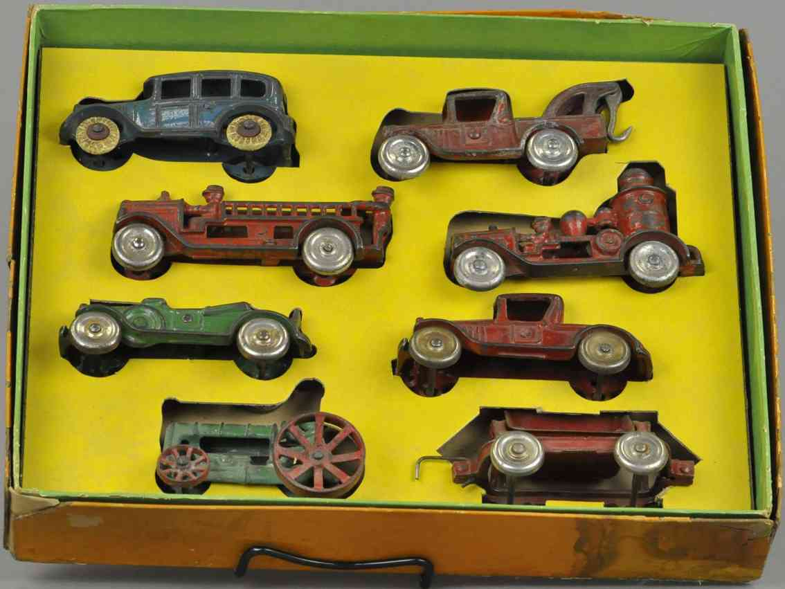 dent hardware co cast iron toy car boxed toy-land's treasure chest set