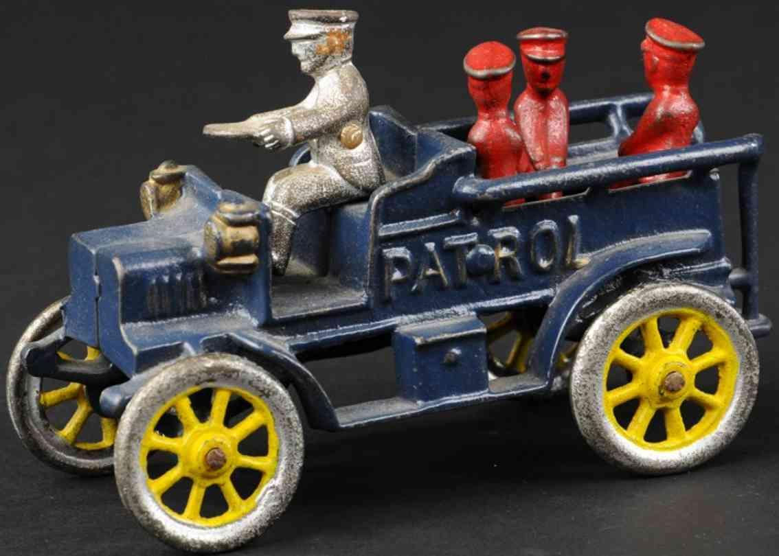 dent hardware co gusseisen patrouillenwagen rote polizisten