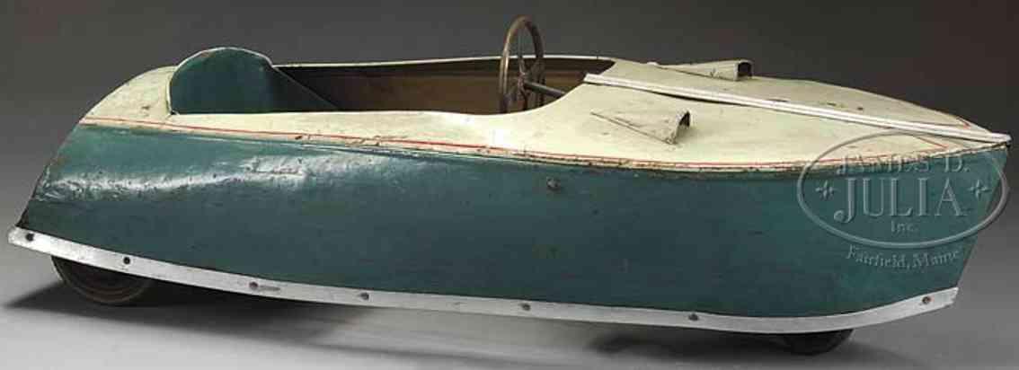 eureka brevete sgdg tin toy boat pedal car