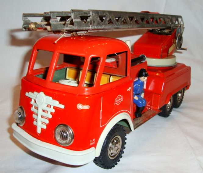 GAMA 2631 2621 Fire engine car