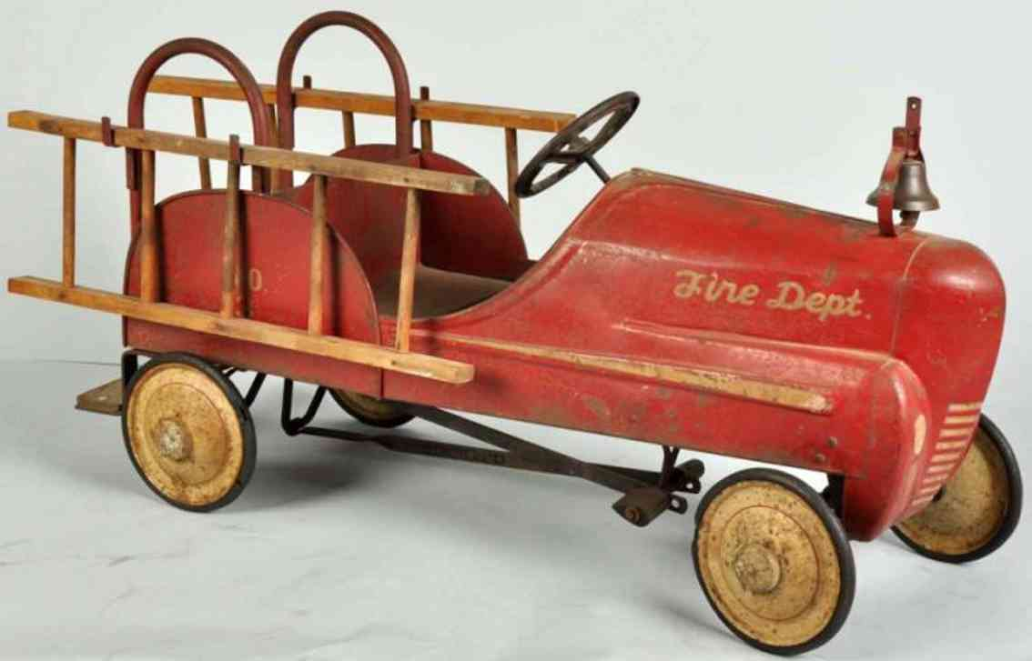 Garton Toy Co Feuerwehrleiterwagen Nr. 3 Tretauto