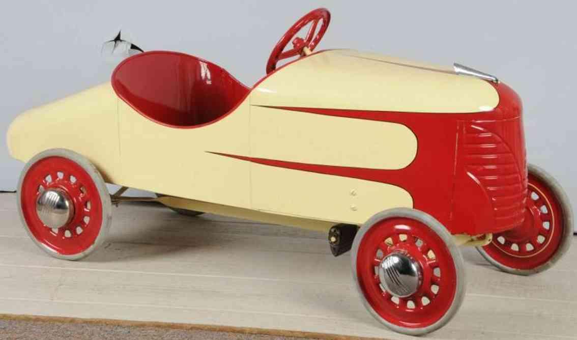 Garton Toy Co Teufel-Rennwagen aus Stahlblech als Tretauto