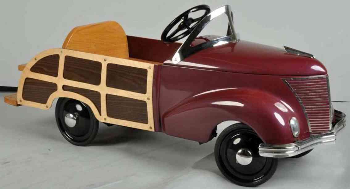 Garton Toy Co Ford Tretauto aus Holz und Stahlblech