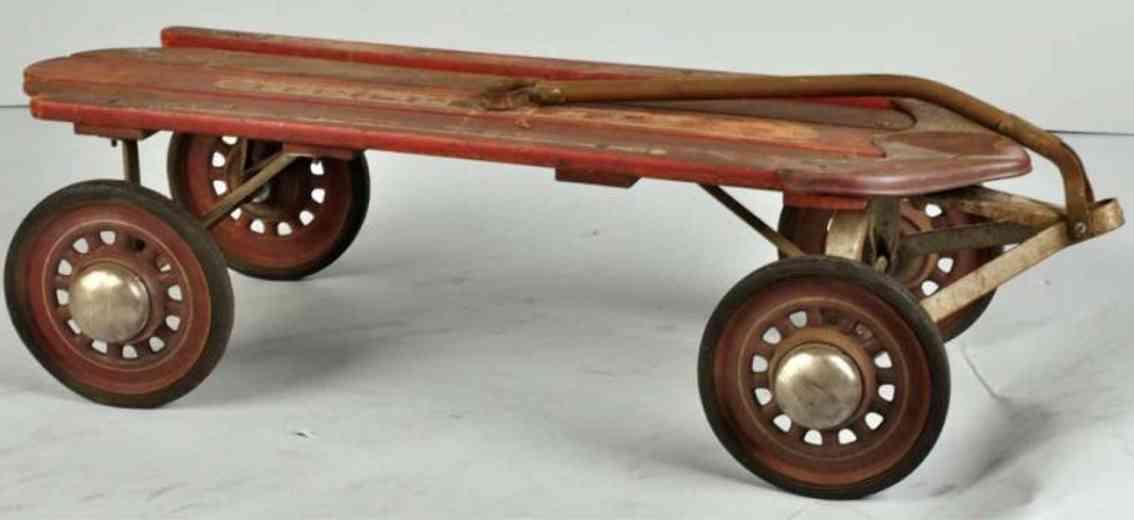 Garton Toy Co Schlittenwagen aus Pedalspielzeug aus Holz und Metall