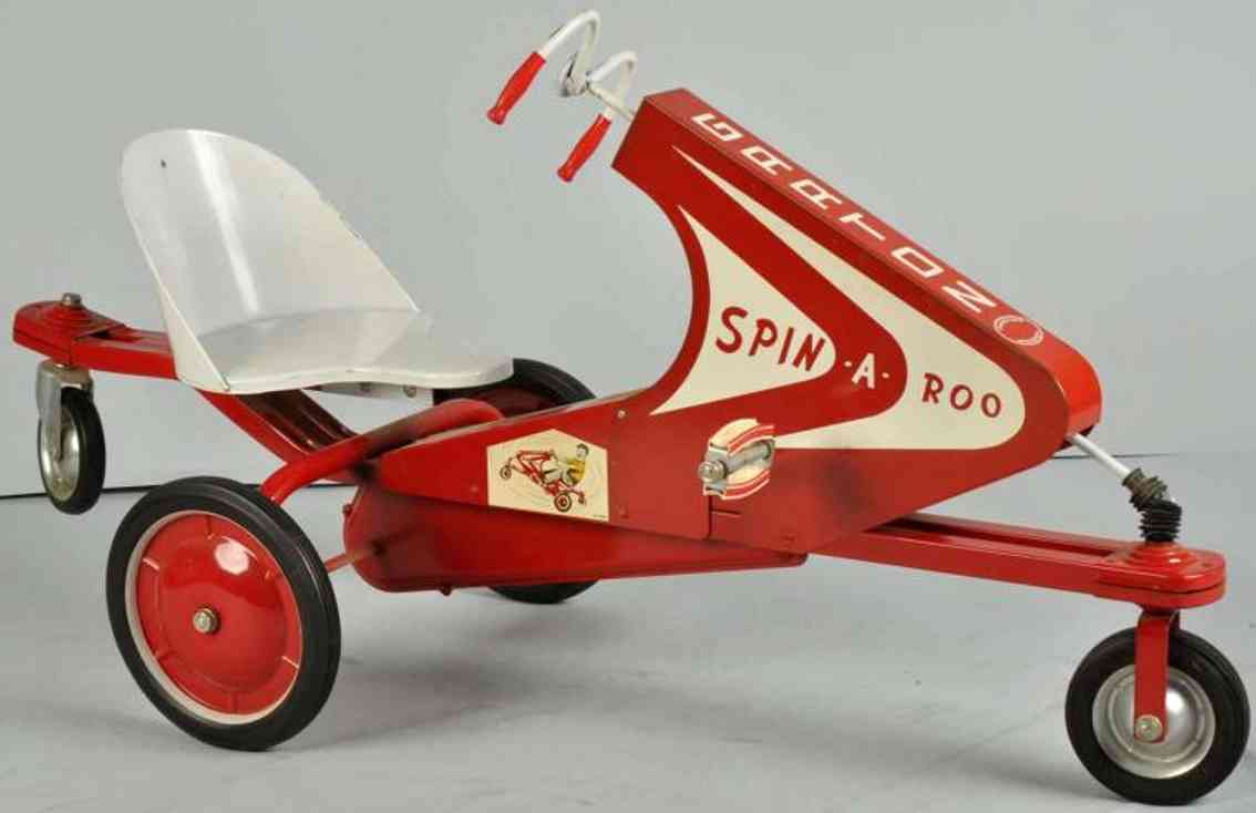 Garton Toy Co Tretroller mit drei Rädern aus Stahlblech Spin-A-Roo