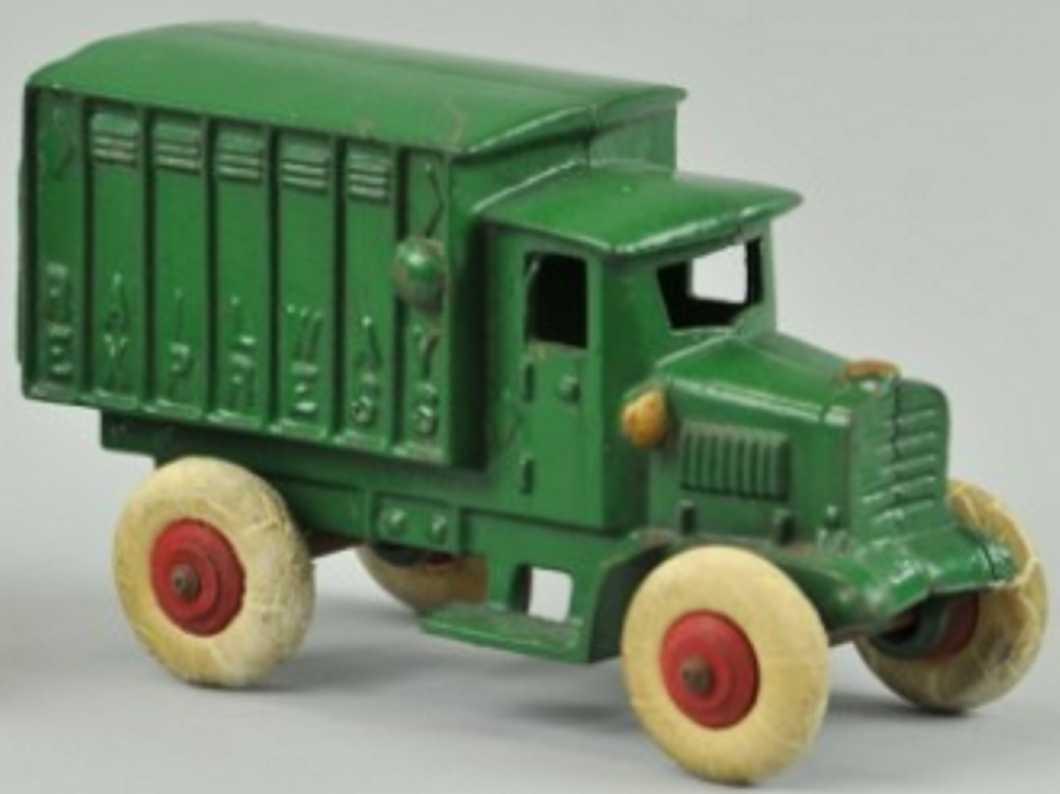 hubley 617 cast iron toy railway express truck green