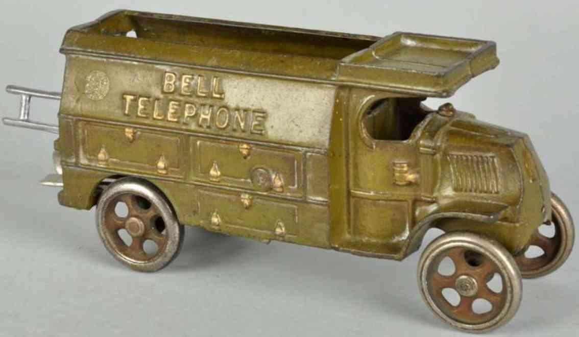 hubley bell telephone 20,3 cast iron toy truck cast iron truck