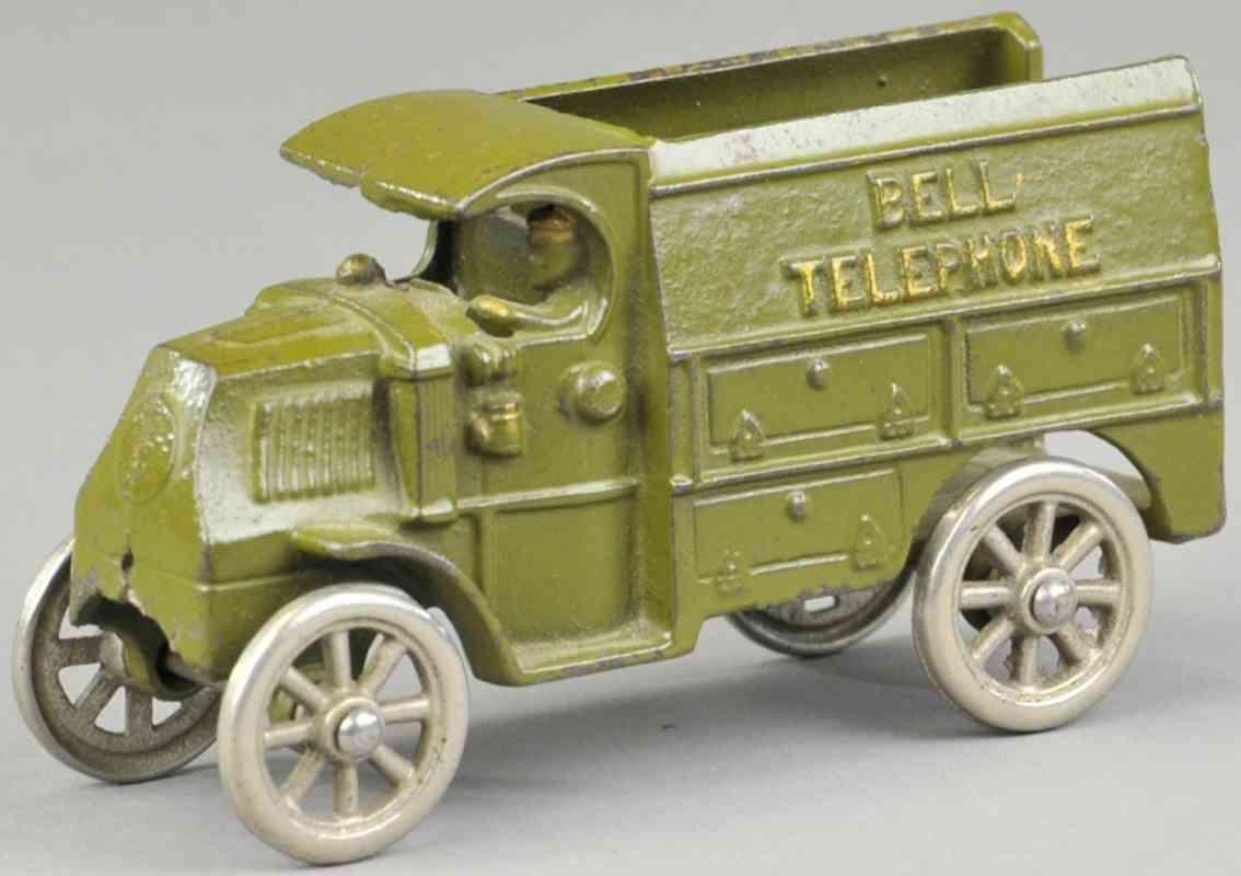 hubley spielzeug gusseisen lastwagen lieferwagen olivgruen