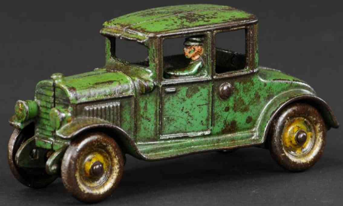 hubley cast iron toy car coupe green driver