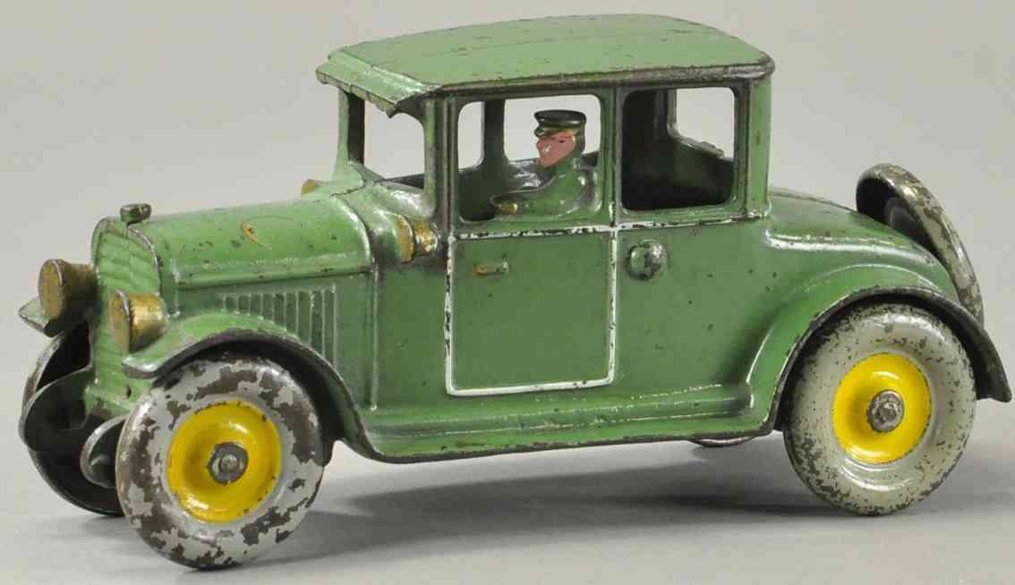 hubley spielzeug gusseisen auto coupe gruen fahrer
