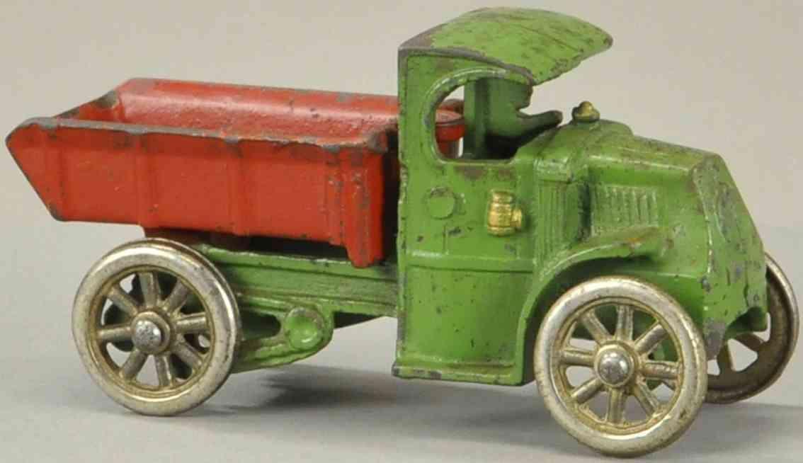 hubley gusseisen mack kipplastwagen gruen rot fahrer