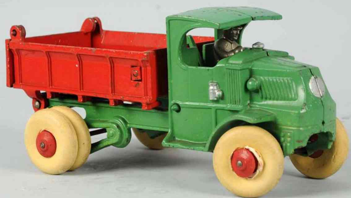 hubley cast iron toy hydraulic dump truck in green and red