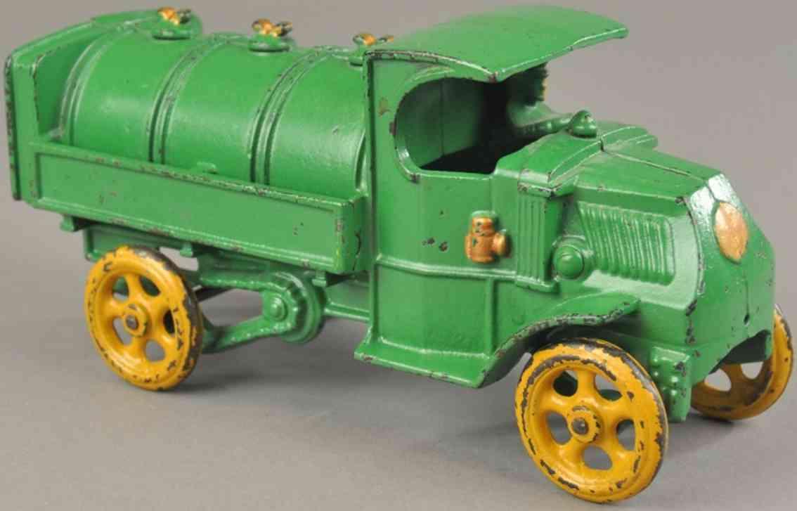 hubley spielzeug gusseisen tanklastwagen mack gruen