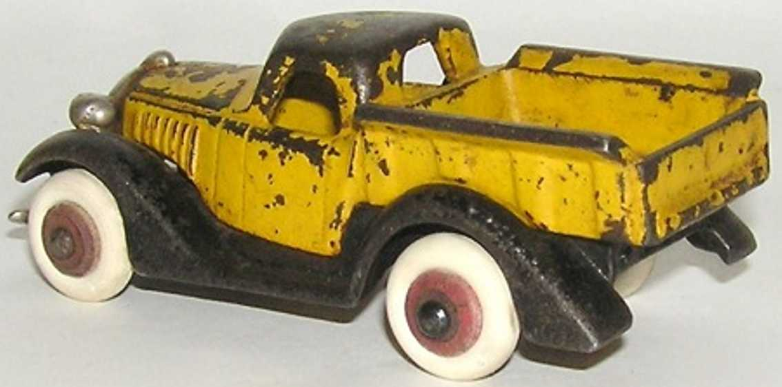 Hubley Kleinlastwagen mit vernickelter Kühlerhaube