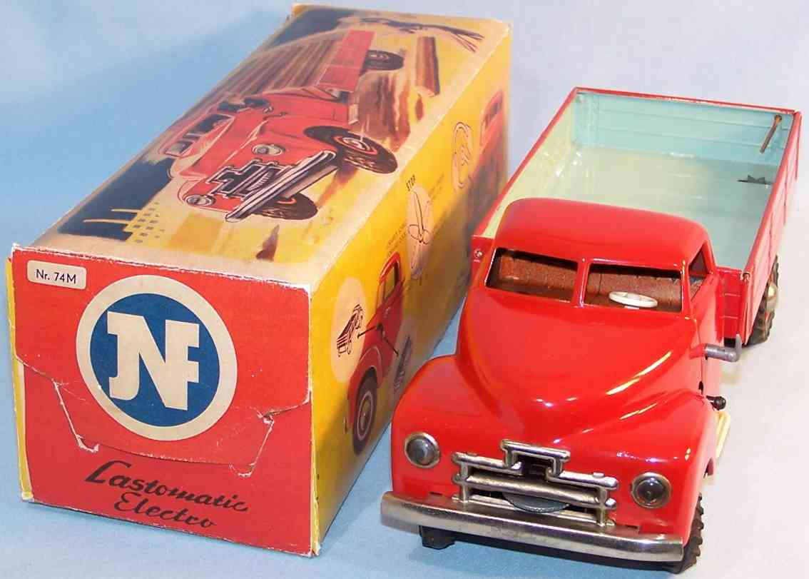 jnf neuhierl 74M tin toy truck load grandma tic electro in red and turquoise, with electric