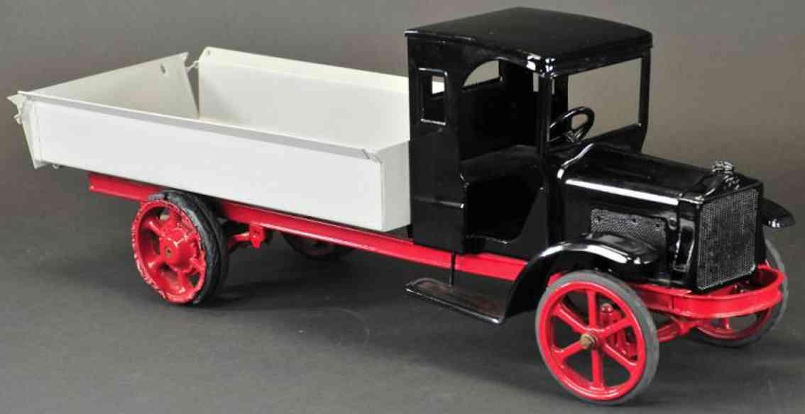 kelmet pressed steel toy truck white truck grey black