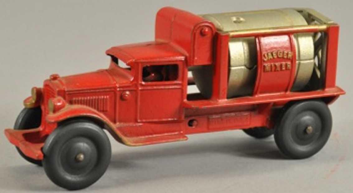 kenton hardware co 657r cast iron toy truck cement mixer