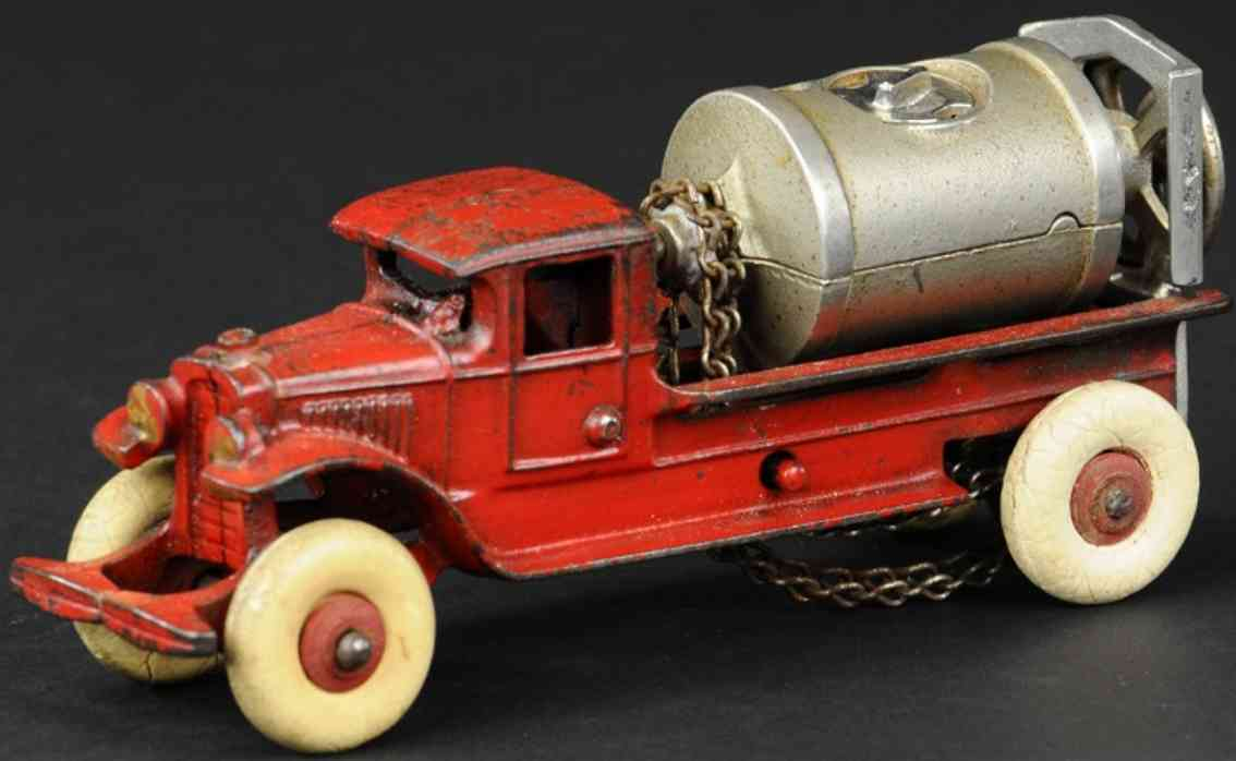 kenton hardware co cast iron toy truck jaeger cement mixer  red