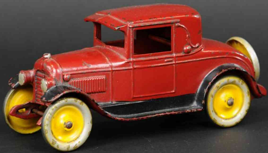 kenton hardware co cast iron toy car coupe red