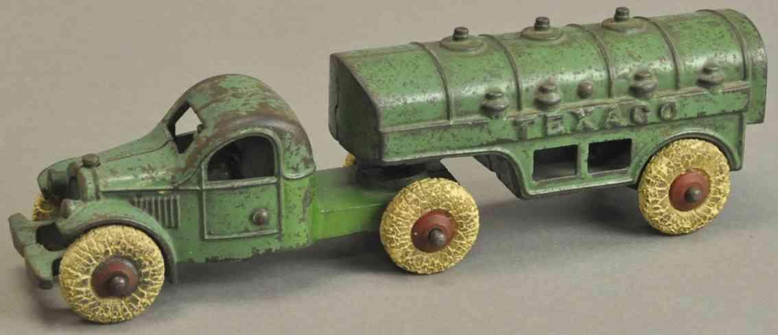 kenton hardware co spielzeug gusseisen tanklastwagen gruen texaco