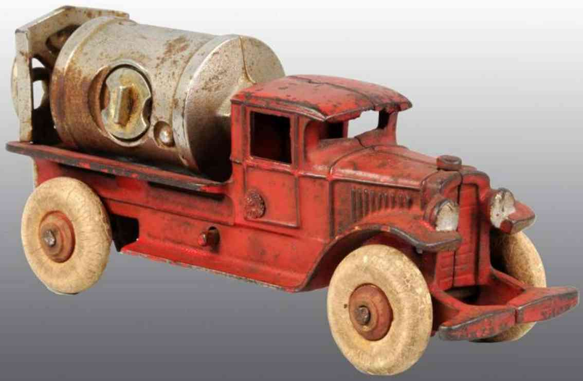 kenton hardware co cast iron toy jaeger cement mixer truck red