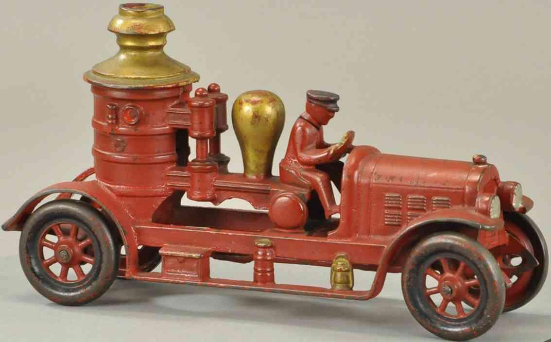 kenton hardware co spielzeug gusseisen feuerwehrkesselwagen rot gold fahrer