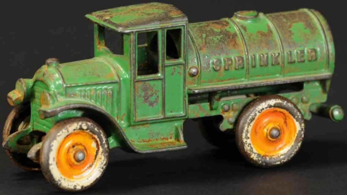 kenton hardware co spielzeug gusseisen wassertankwagen gruen