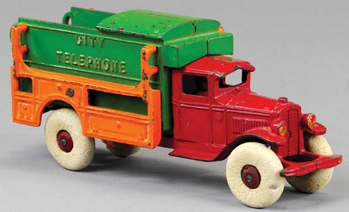kenton hardware co cast iron toy city telephone truck