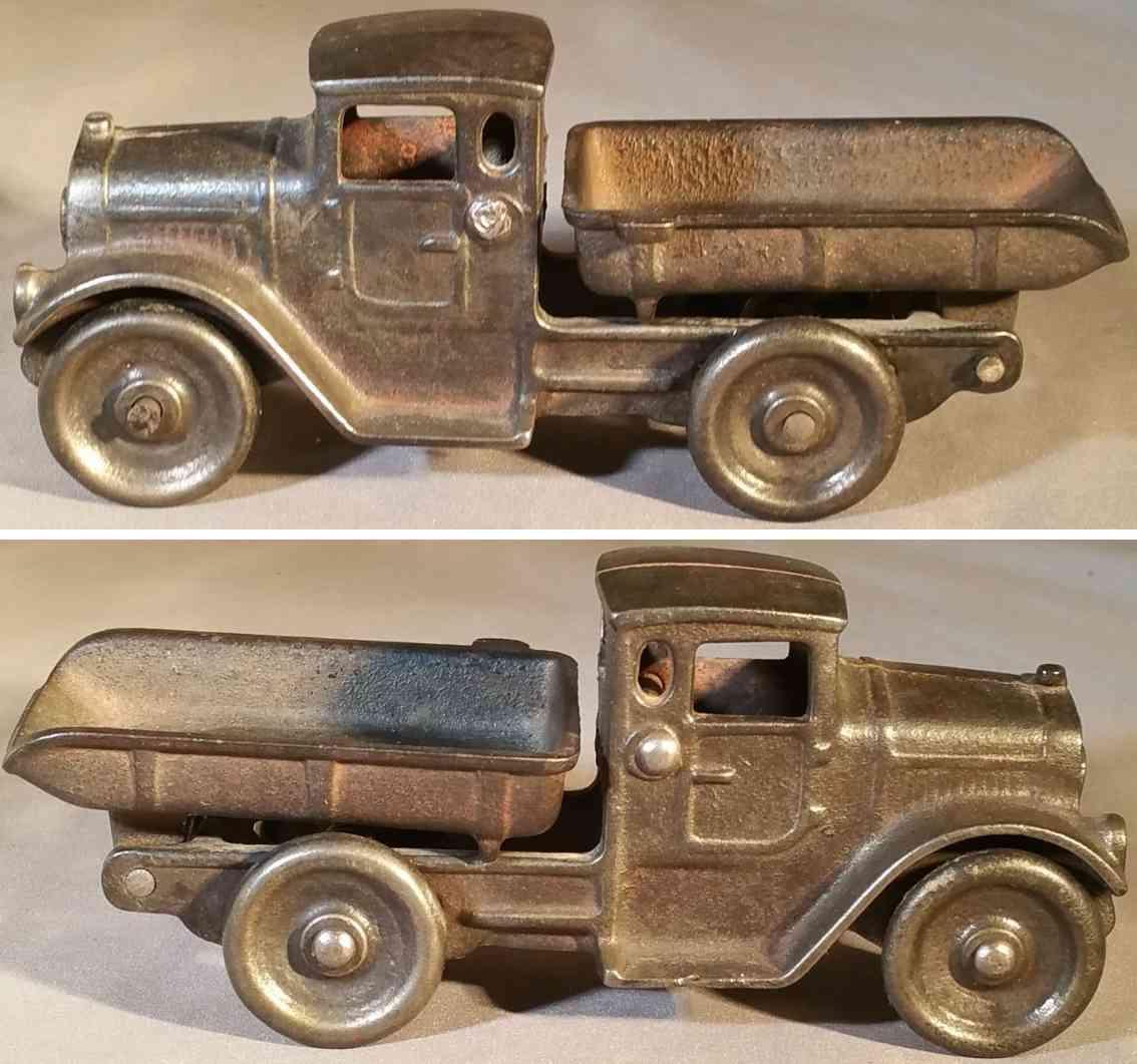 kilgore cast iron toy dump truck