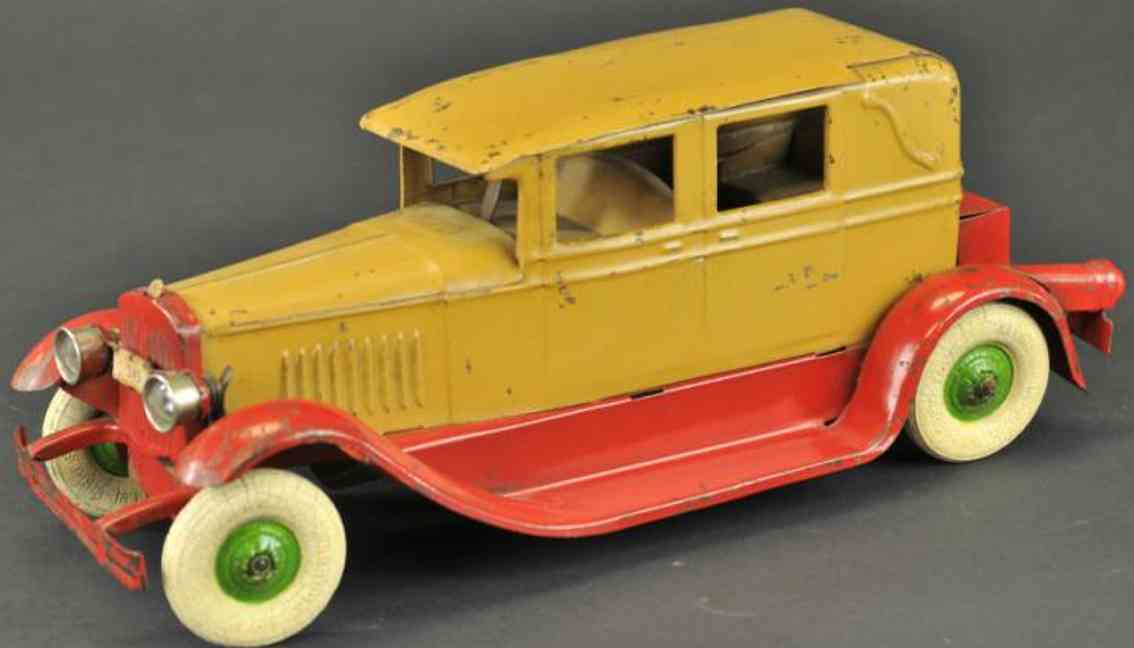 Kingsbury toys 245 Oldtimer Limousine in hellbraun und rot
