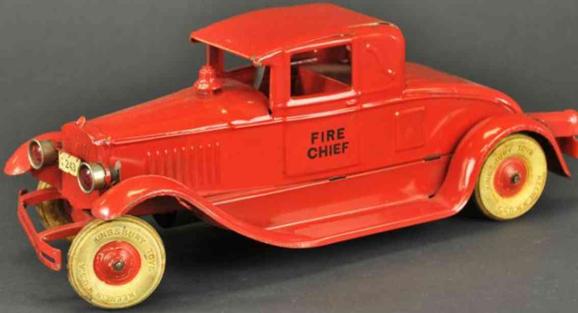 kingsbury pressed steel toy fire engine chief car