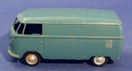 marklin maerklin 8006 tin toy bus volkswagen vw caste bus, version without rear bumper and fla