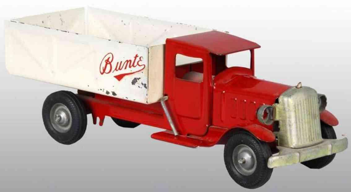 metalcraft corp st louis pressed steel toy truck candies truck red white bunty