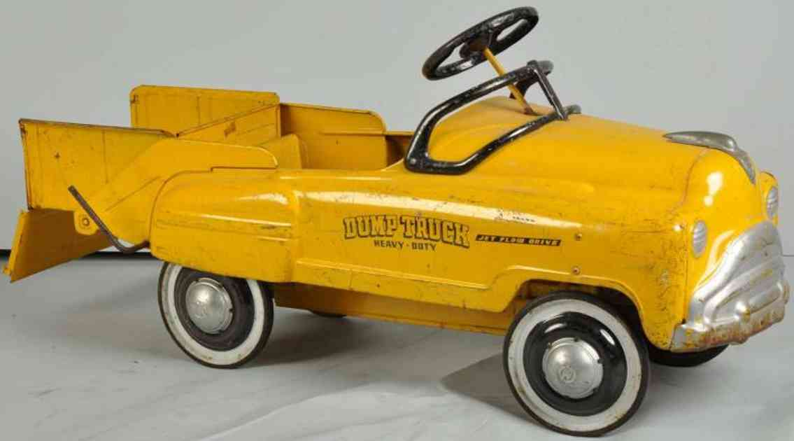Murray Heavy duty pedal dump truck made of pressed steel in yellow