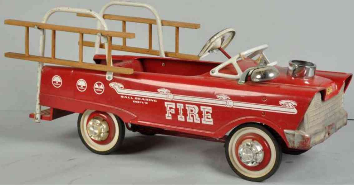 murray pressed steel toy flat-faced pedal fire truck