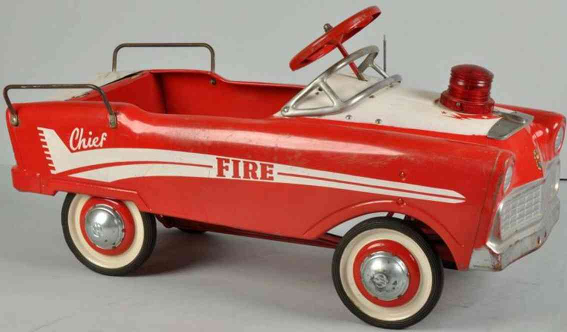 murray pressed steel toy lancer fire chief pedal car