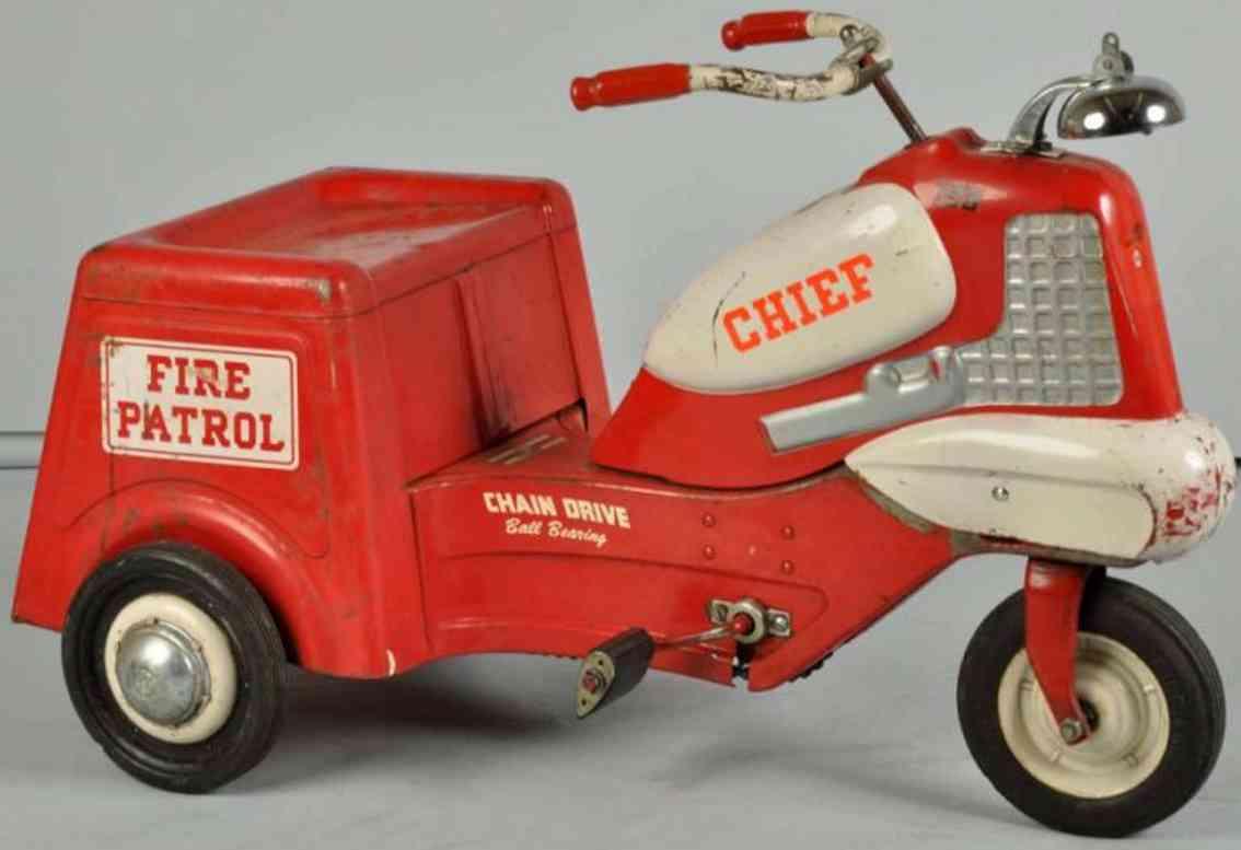 Murray Feuerwehrrad als Tretspielzeug aus Stahlblech mit Kettenantrieb