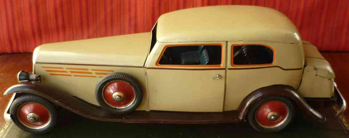 paya tin toy car wind-up hoch gran sedan light