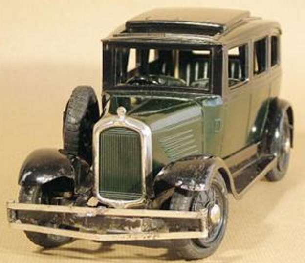 ranlite tin toy car sunbeam passanger car of tin and bakelite