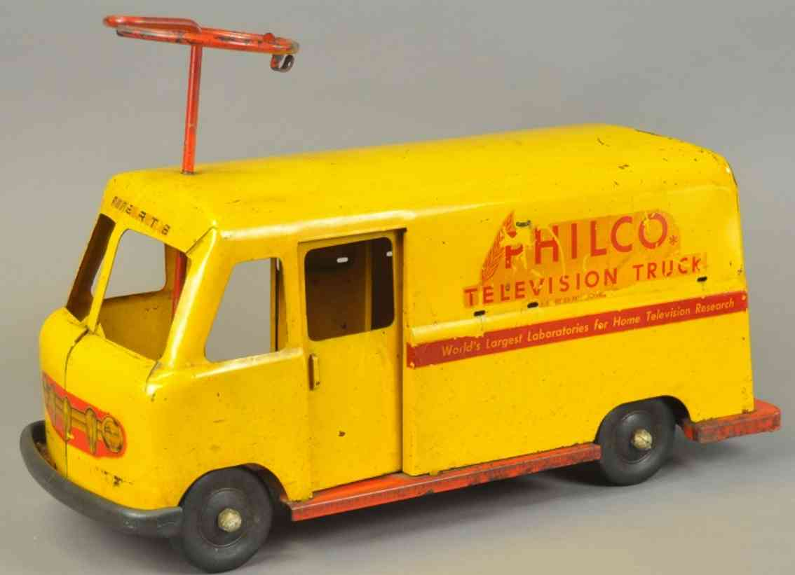 robert's manufacturing co tin toy pedal car delivery truck pressed steel yellow