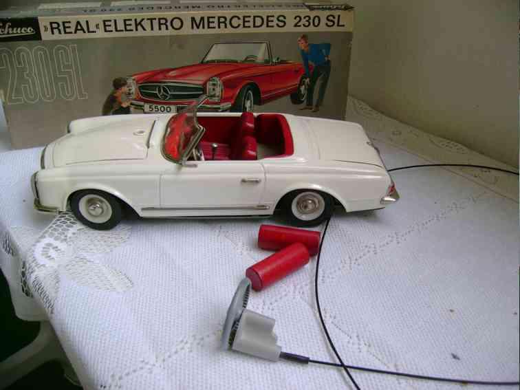 schuco 5500 tin toy car mercedes 230 sl white