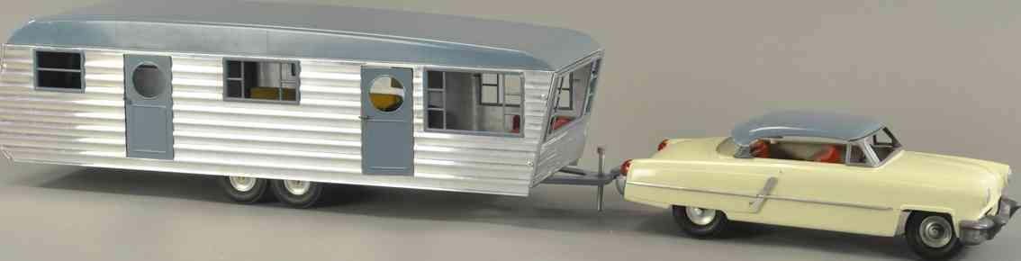 smith-miller tin toy car trailer set