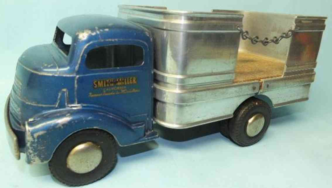 smith-miller tin toy truck barrel truck