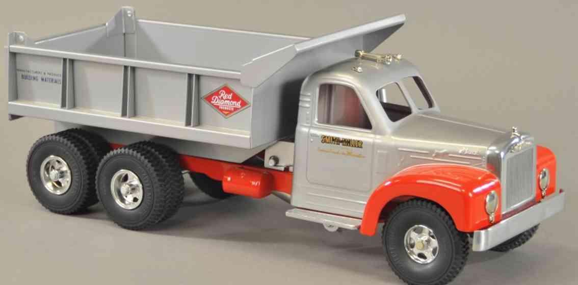 smith-miller spielzeug gusseisen b mack red diamond Kipplastwagen