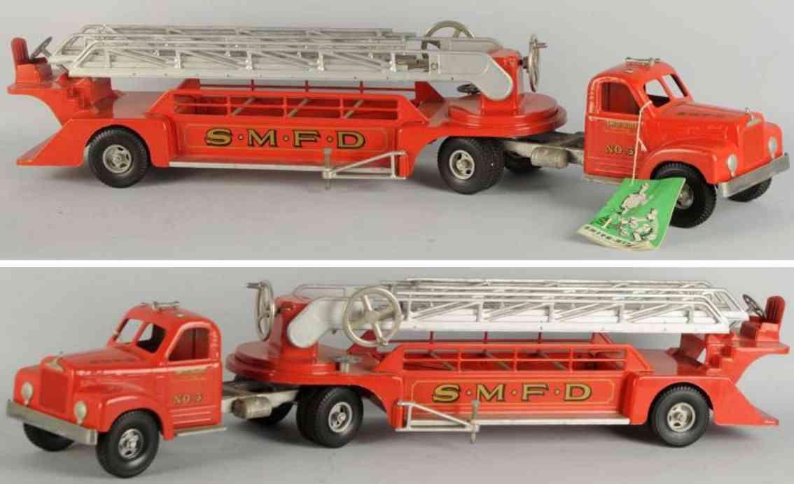 smith-miller toy fire engine pressed steel ladder truck