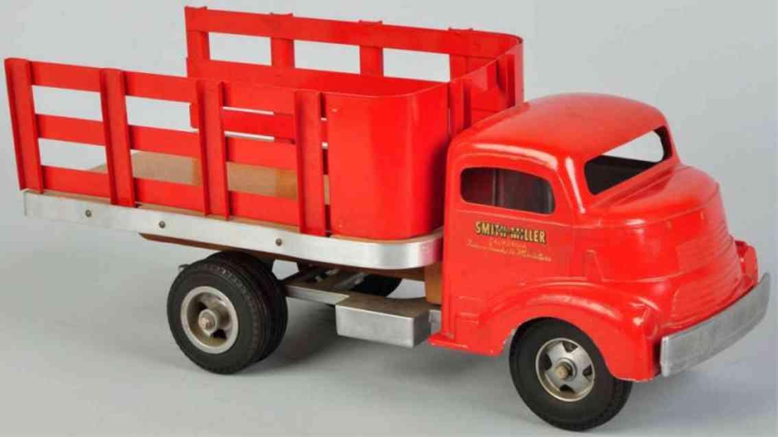 Smith-Miller Lastwagen aus Stahlblech in rot