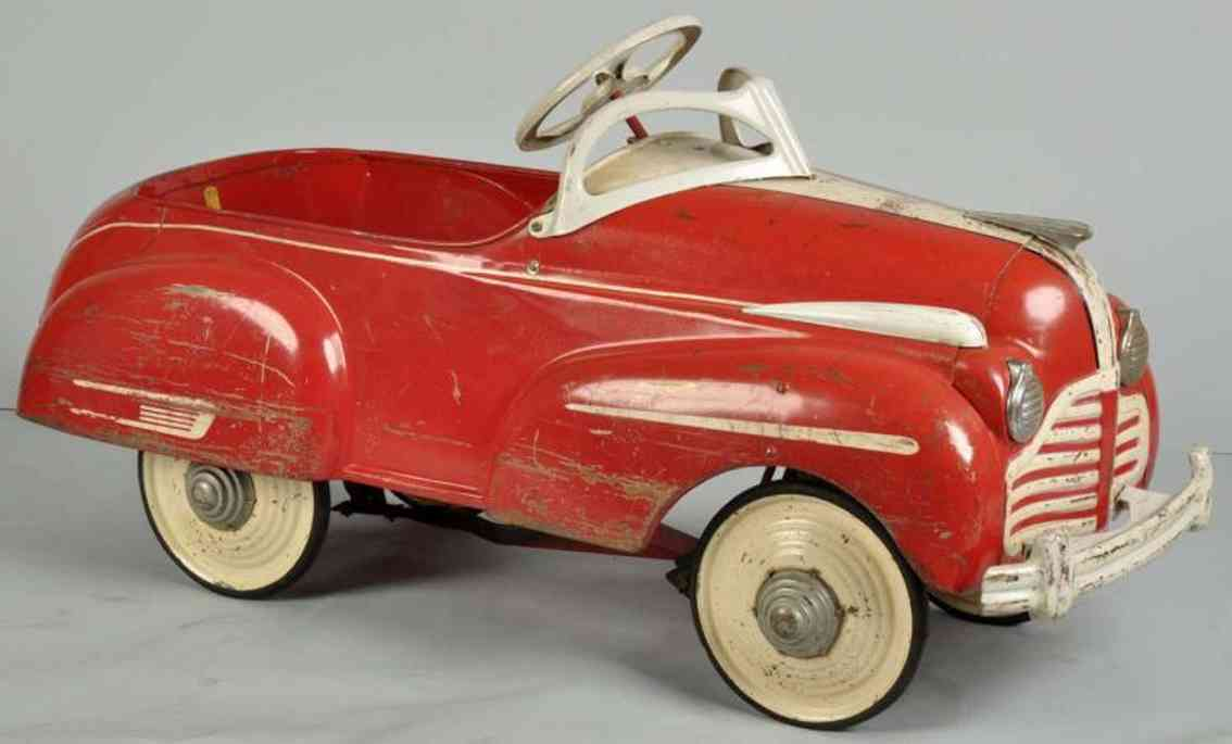 steelcraft pressed steel toy buick pedal car red