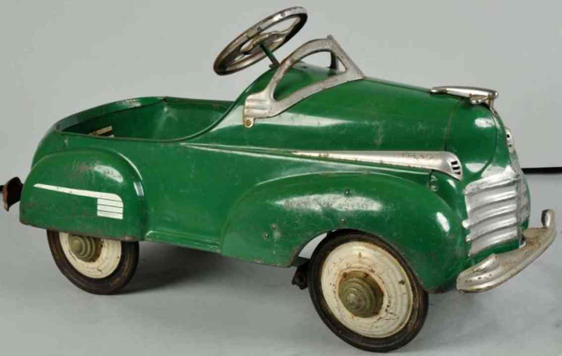 steelcraft pressed steel toy murray chrylser pedal car green